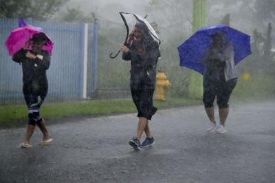 Emiten advertencias de inundaciones para varios municipios de la isla