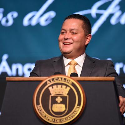 Juramenta Ángel Pérez con un llamado a erradicar la burocracia