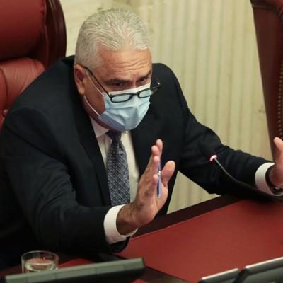 Senado da paso a medidas para elevar pensiones a rango constitucional