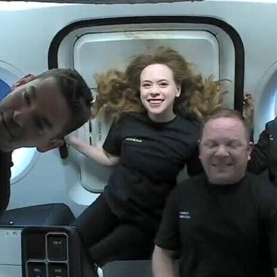 Los primeros turistas de SpaceX disfrutan de impresionantes vistas de la Tierra