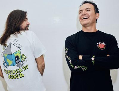 Fonseca y Juanes llevan su sello a una línea de ropa