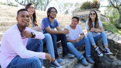Jovenes Crean Iniciativa Para Promover Un Puerto Rico Feliz