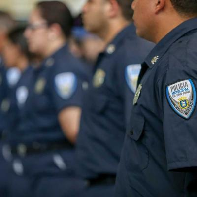 Policía municipal dispara mortalmente contra presunto atacante con cuchillo