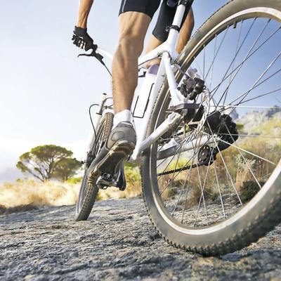 Disfruta correr bicicleta por la Isla...