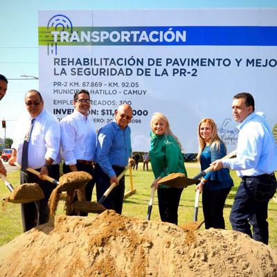 Gobernadora coloca primera piedra para rehabilitación de la PR-2