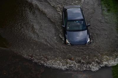 Reportan inundaciones en varios sectores de San Juan