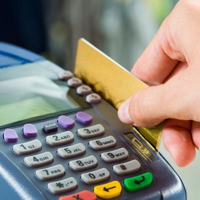 Crece el gasto con tarjetas de crédito