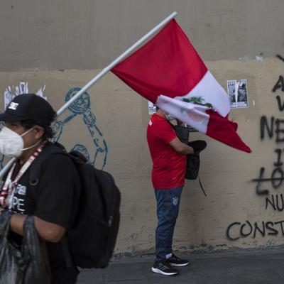 Perú cambia a mando policial tras protestas con dos muertos