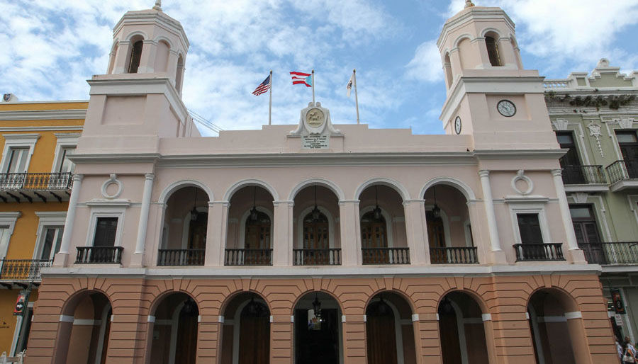 Empleados municipales de San Juan saldrán hoy temprano