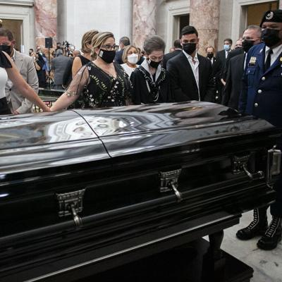 Legisladores despiden a Romero Barceló en el Capitolio