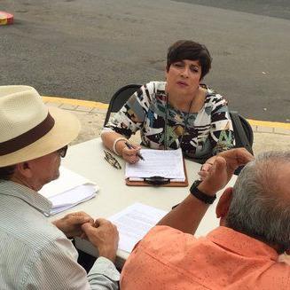 Sylvia Gómez sufre aparatosa caída