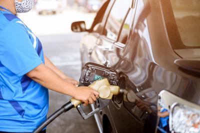 Aseguran especulación rige el precio de la gasolina en la Isla