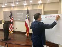 Gobernador reacciona a aprobación de planes fiscales
