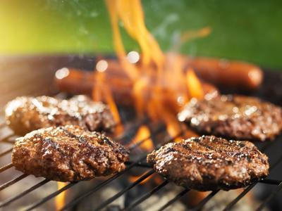 A tiempo para tu hamburger: te presentamos dos recetas y sugerencias de salsas