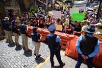 """Manifestantes: """"Ricky renuncia, el pueblo te repudia"""""""