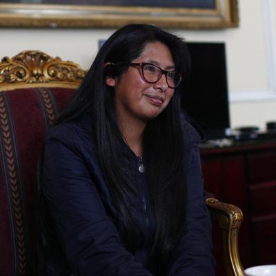 Presidenta del Senado de Bolivia tiene Covid-19