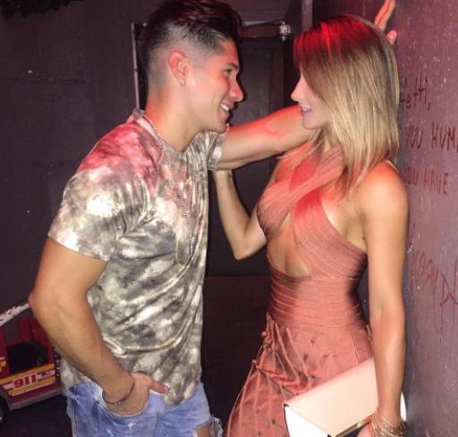 Chyno Miranda propuso matrimonio a su novia con sorpresa de altura