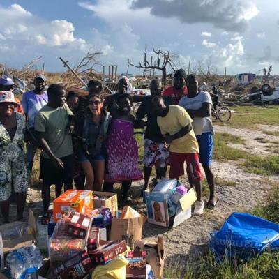 Piloto encuentra  40 damnificados entre escombros en Bahamas