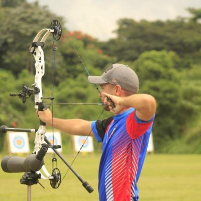 Arquero boricua logra nueva marca nacional en tiro con arco