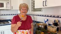 Abuela lleva su sazón a YouTube