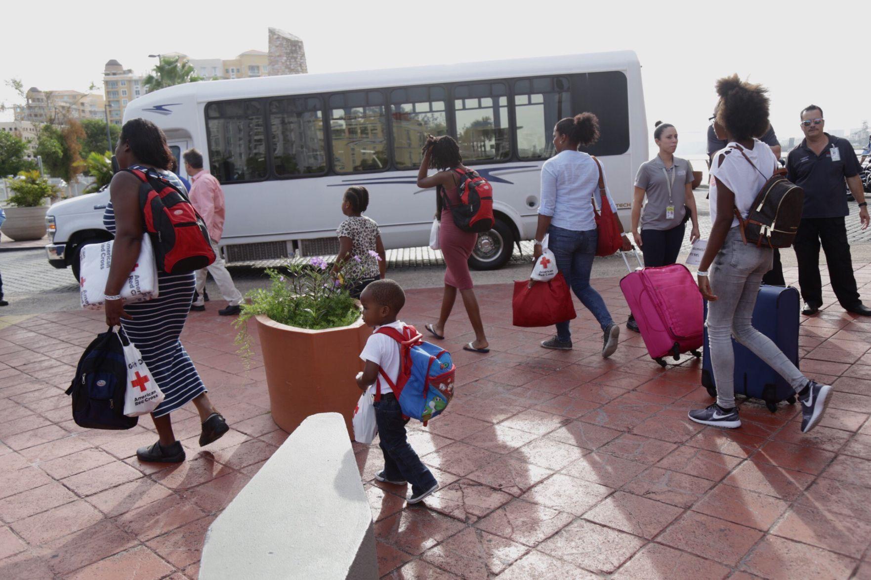 Puerto Rico se prepara ante el paso de Huracán María