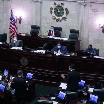 La Cámara aprueba medida sobre la deuda, mientras queda en suspenso en el Senado por falta de votos