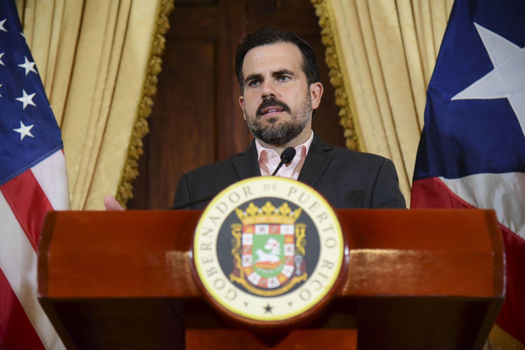 Gobernador felicita a los padres puertorriqueños en su día
