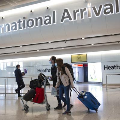 Británicos ansían salir de vacaciones tras encierro