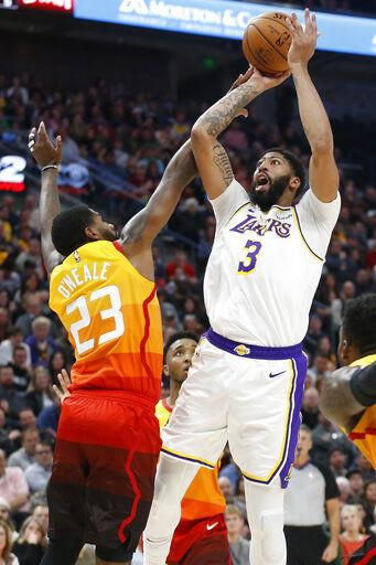 Davis aporta 26 puntos a paliza de Lakers sobre Jazz