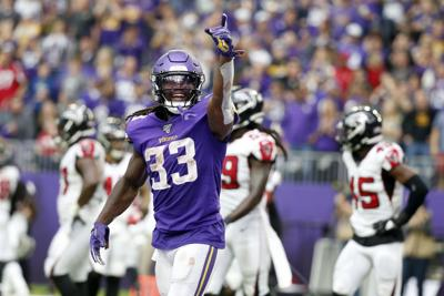 Defensiva de los Vikings supera a Falcons