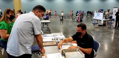 Departamento del Trabajo realiza feria de empleo en el Centro de Convenciones de Miramar