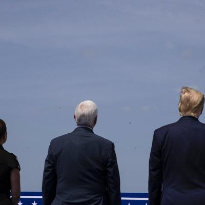Trump celebra lanzamiento de nave espacial