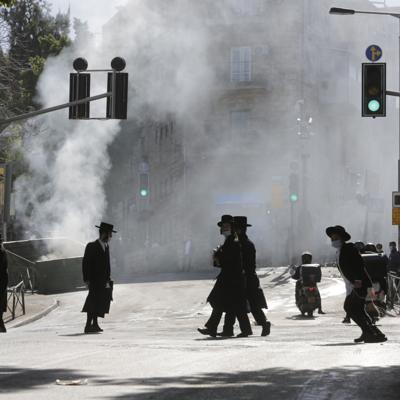 Religiosos protestan contra medidas sanitarias en Israel