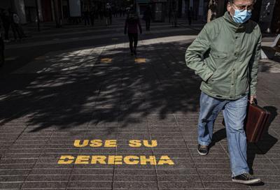 Niños menores de 14 años podrán salir a la calle en Chile