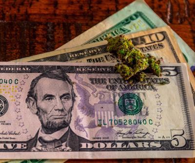 Se complica la bancarización del cannabis