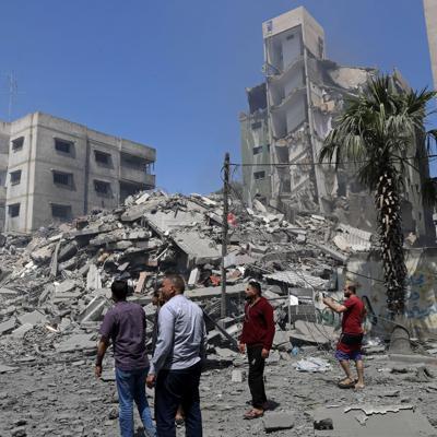 Amnistía Internacional pide investigar el ataque israelí al edificio que albergaba medios de comunicación