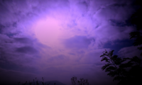 El cielo se volvió púrpura sobre Florida por Dorian