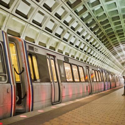 El servicio de metro de Washington DC es suspendido por una falla en el diseño