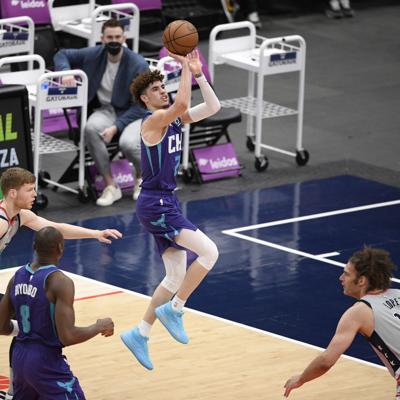 Pacers y Hornets intentan cambiar su fortuna en playoffs