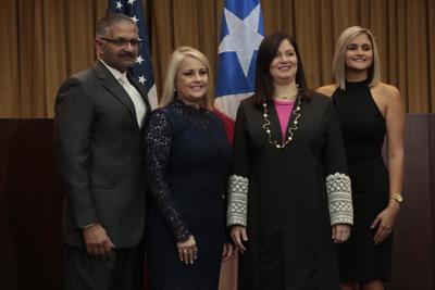 Gobernador explica decisión de ascender al esposo de Wanda Vázquez
