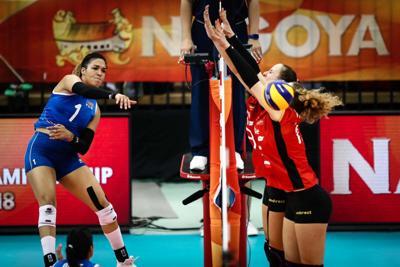 Tranquilas tres voleibolistas boricuas en Europa
