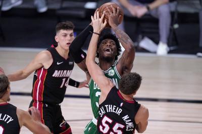 Celtics y el Heat se preparan para el cuarto juego