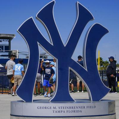 Grandes Ligas inicia pretemporada con público en tribunas