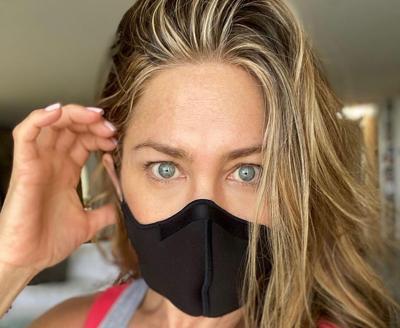 Jennifer Aniston defiende decisión de alejarse de los no vacunados