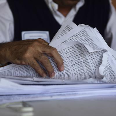 Grupo latino invierte millones para promover el voto