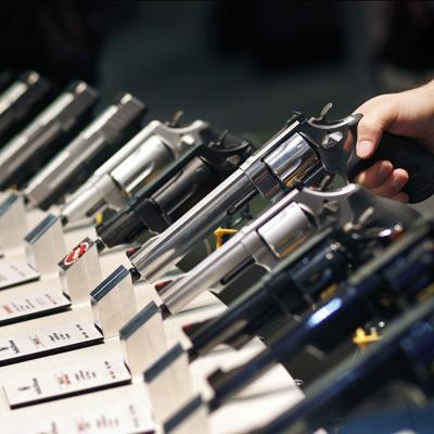 """México demanda a fabricantes de armas de Estados Unidos por """"prácticas comerciales negligentes"""""""