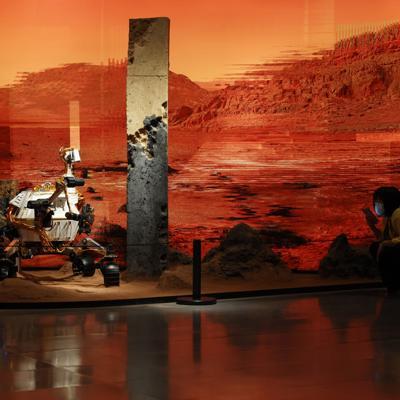 China logra posar una sonda espacial por primera vez en Marte