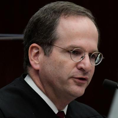 Jura como presidente del Tribunal federal el juez Raúl Arias Marxuach