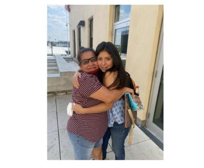 Madre de Florida se reúne con su hija que había sido secuestrada hace 14 años