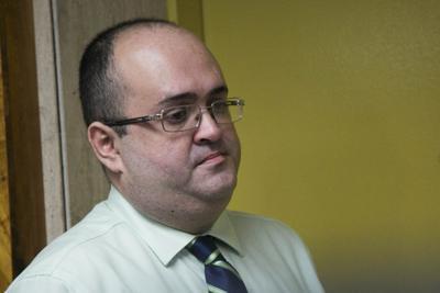 Expresidente de la CEE irá a juicio